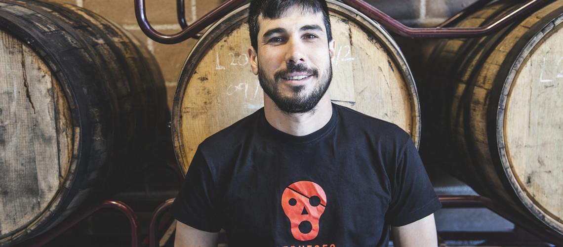 """""""A katalán kisüzemi sörös szcéna Európa egyik leginnovatívabbja"""" – villáminterjú Aran Léon Perezzel, a La Pirata Brewing sörfőző mesterével"""