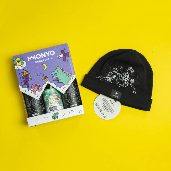 MONYO x Touch Me Not Snowman Selfie Beanie pack